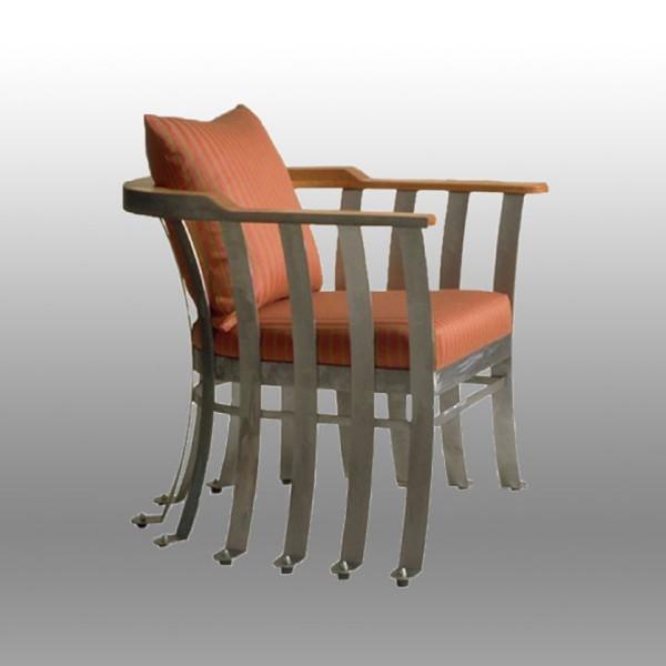 Piedi Chair